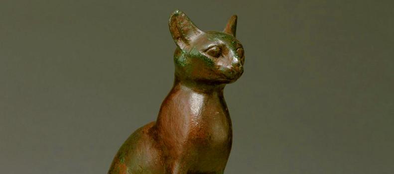 Figura de gato venerada en el antiguo Egipto